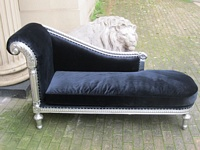 The Federal Chaise Longue: Silver Leaf