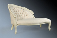 The Petite Chaise Longue: Antique White